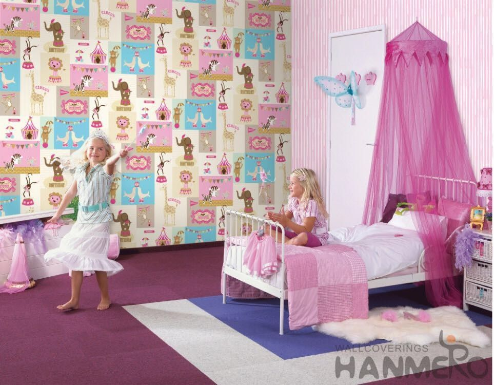 Fancy Interior Kids Bedroom Wallpaper Animals Design Non Woven Paper Material